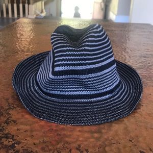 Fedora Hat. Black and gray. Comfortable. EUC.